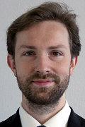 Martin Fatura je vedoucím Oddělení právní koordinace fondů EU na Ministerstvu pro místní rozvoj – Národním orgánu pro koordinaci. V rámci své práce dlouhodobě spolupracuje při přípravě pravidel pro poskytování dotací z ESIF a podílí se na zpracování výkladových stanovisek Národního orgánu pro koordinaci. Je také místopředsedou Pracovní skupiny pro legislativní změny (tzv. PS Legal), pracovní skupiny s mezirezortní účastí, zaměřené na řešení legislativních bariér při využívání peněžních prostředků z fondů ESIF. Má zkušenost také s prací v advokátní kanceláři či neziskovém sektoru.